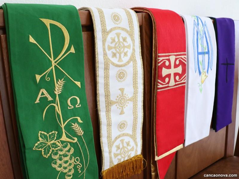 Por que usamos diferentes cores na liturgia?