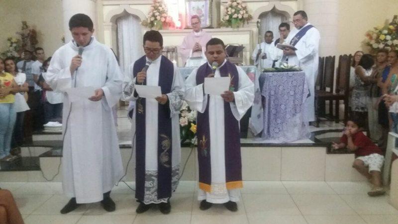 Dom Ailton apresenta nova equipe Paroquial de Tauá em Missa na Igreja Matriz